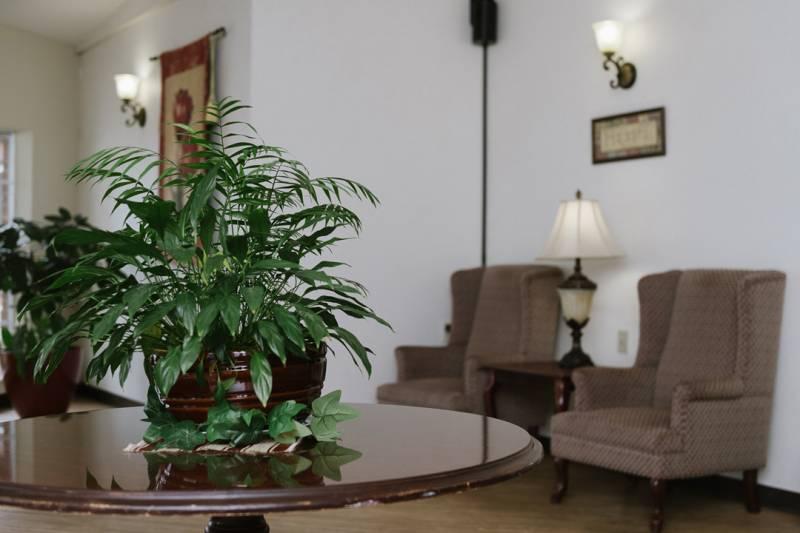 Lobby-200602-1