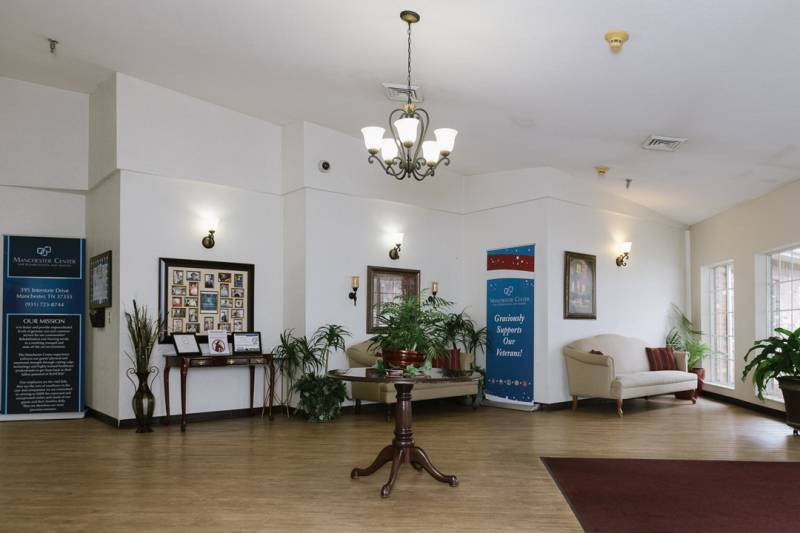 Lobby-200602-3